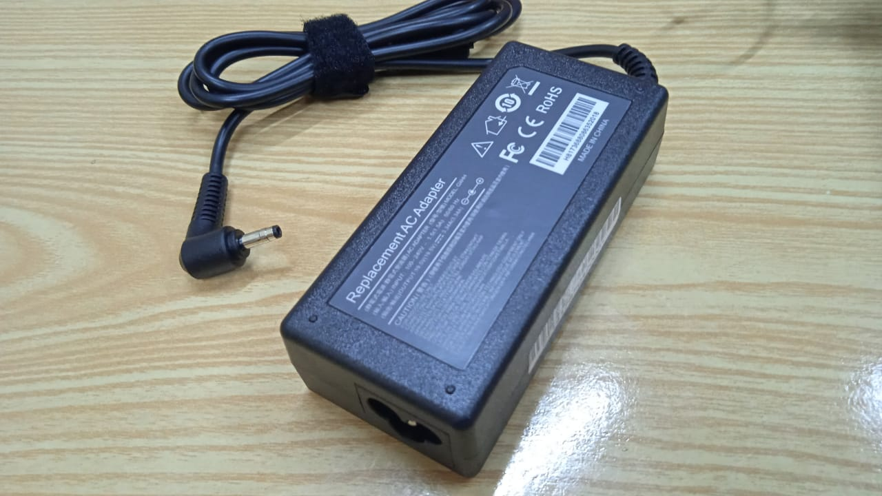 Laptop Adapter best price in Karachi Adapter Dell 19v5 - 3a34 | 65w (4.0*1.7)