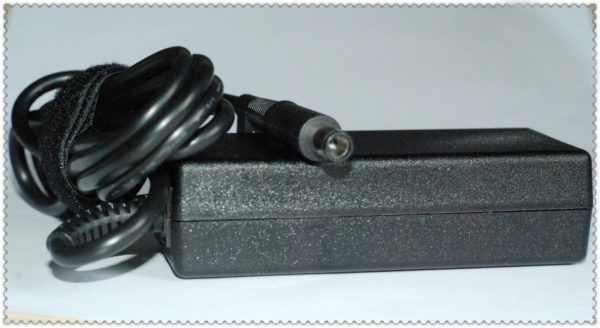 Laptop Adapter best price in Karachi Adapter Dell 19v5 - 3a34 | Ctr Pin | 65w (7.4*5.0)
